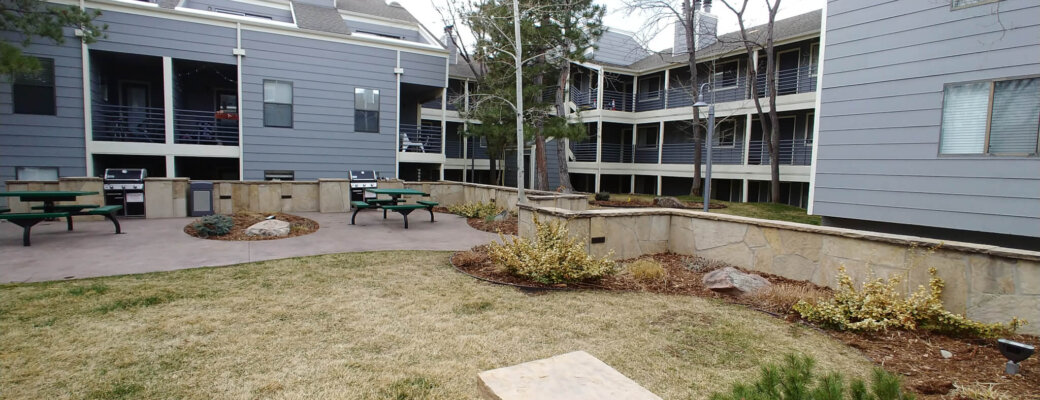 Outdoor picnic area at Blue Sky Lofts Apartments